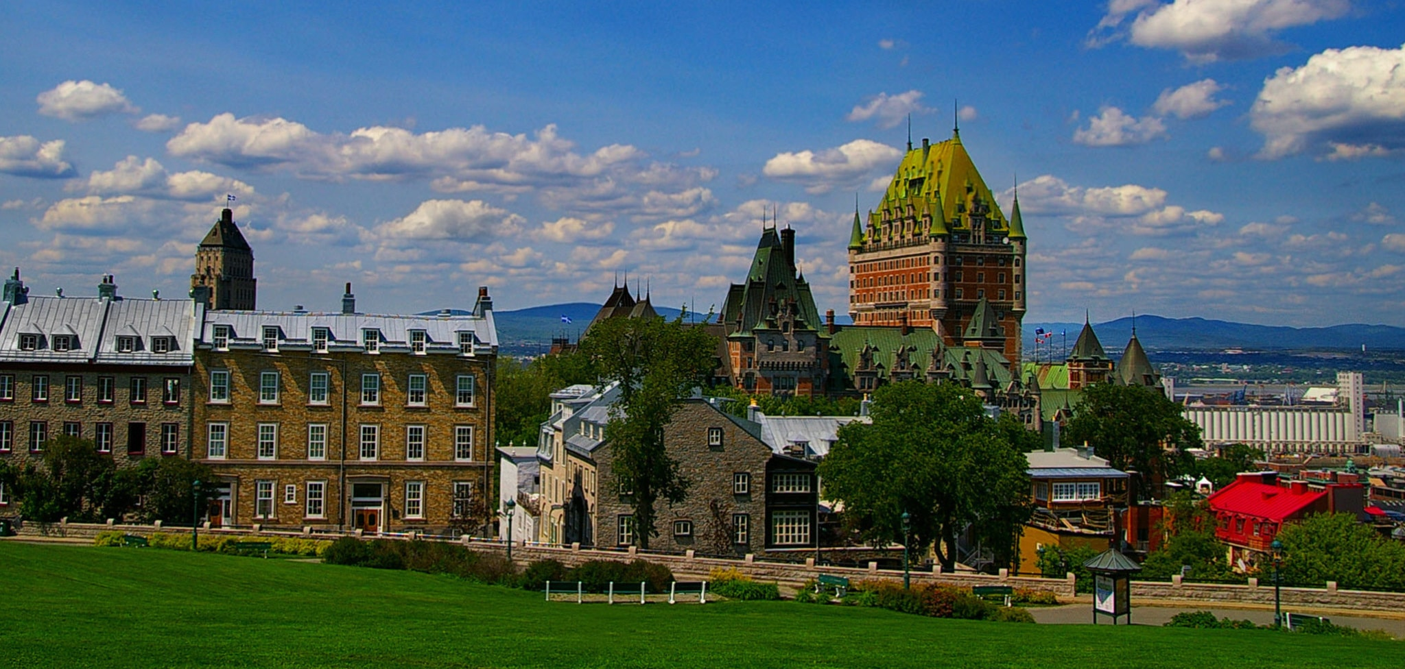 cropped-cropped-Quebec-City-Daytime-1-1.jpg